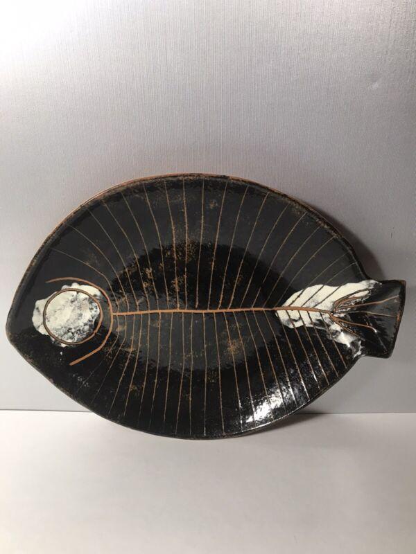 LaGardo Tackett For Raymor Mid-Century Ceramic Pottery Fish Plate.