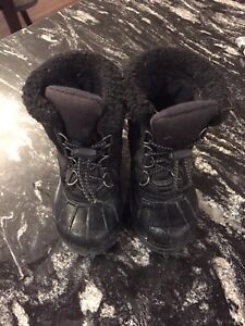 Size 8 toddler Sorel boots
