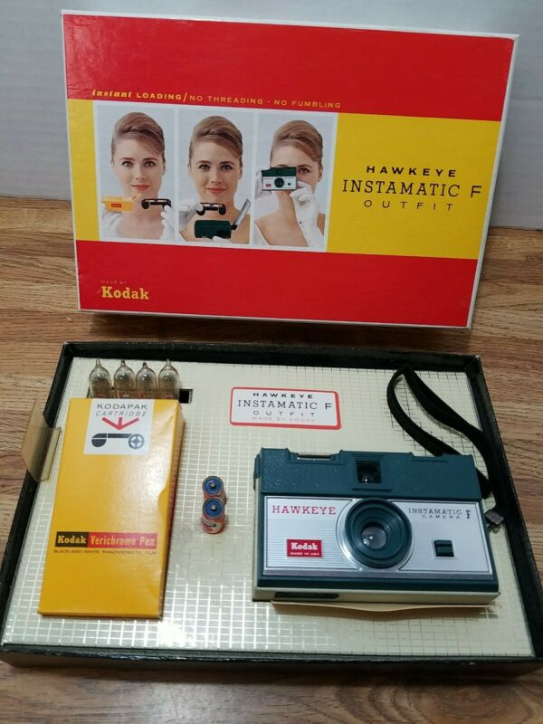 Vintage 60s Kodak Hawkeye Instamatic F Outfit Camera Film Flash in box