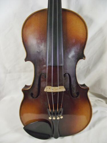 X1. OLD FULLSIZE VIOLIN. GOOD PLAYING ORDER. CZECH MADE 1930s. GOOD CONDITION.