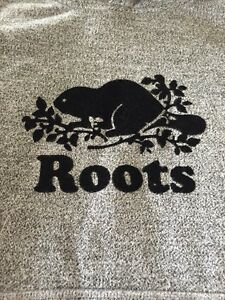 Roots - excellent condition - sweatpants and sweatshirt