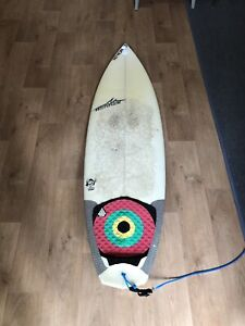 Hennek surfboard 5.10 all rounder diamond tale