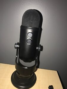 2018 Blue Yeti USB Microphone with extra pop filter