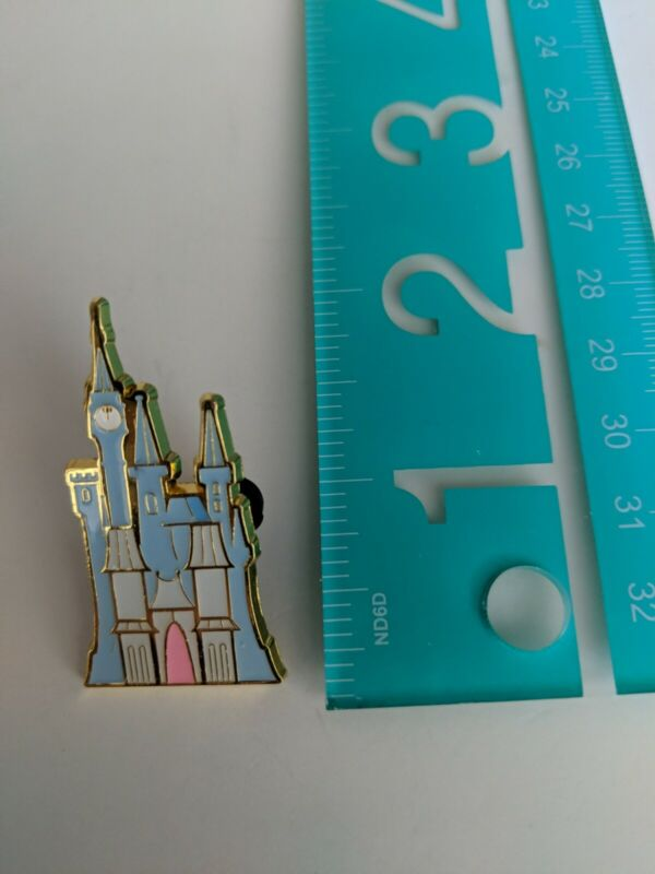 Loungefly Disney Pin - Princess Castle Blind Box - Cinderella Castle Only