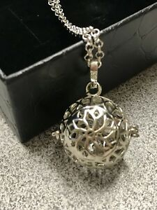 Diffuser necklace for essential oils