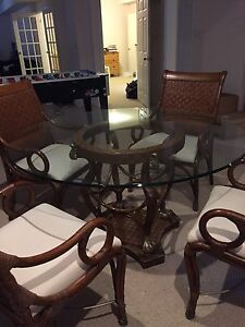 Art Shoppe glass round table + 4 chairs