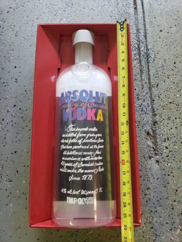 ABSOLUT VODKA ANDY WARHOL LIMITED EDITION 2014 PLASTIC DISPLAY PIECE