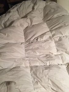 King size duvet  like new condition
