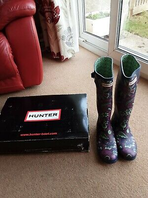 Hunters wellies size 7