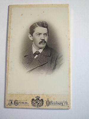 Offenburg i. B. - 1902 - Mann im Anzug - Portrait / CDV
