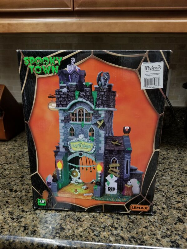 Lemax Spooky Town Lighted The Gate House at Haunted Meadows #45663 Halloween New