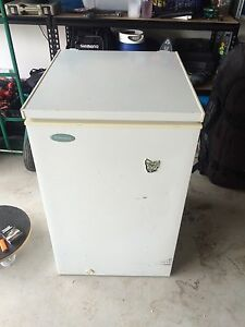 Westinghouse box freezer Medowie Port Stephens Area Preview
