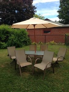6 chair patio dining set- NEW umbrella, can deliver