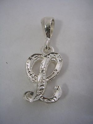 (LETTER L INITIAL PENDANT CHARM WITH A DIAMOND CUT FINISH IN STERLING SILVER)