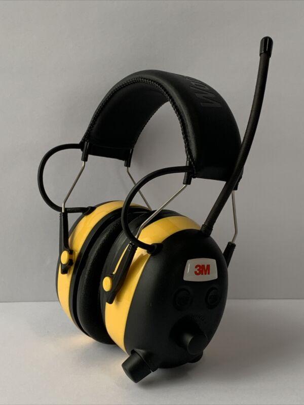 3M WorkTunes AM/FM Hearing Protector Headphones Radio