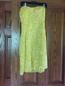 Short sequence yellow dress