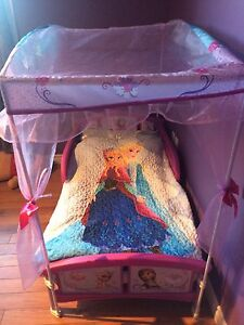 Disney frozen canopy bed