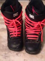Women's size 7 snowboarding boots