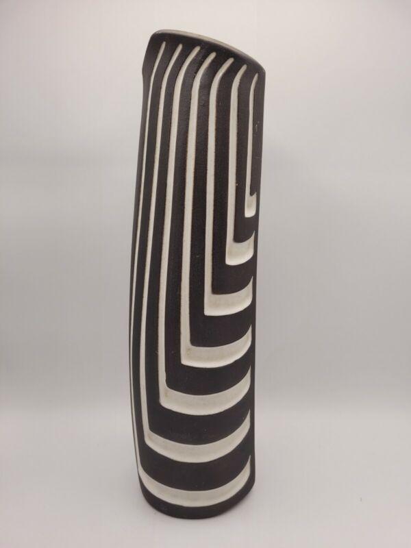 Jaap Ravelli Studio Pottery Incised Razor Vase Signed 52 Brown White