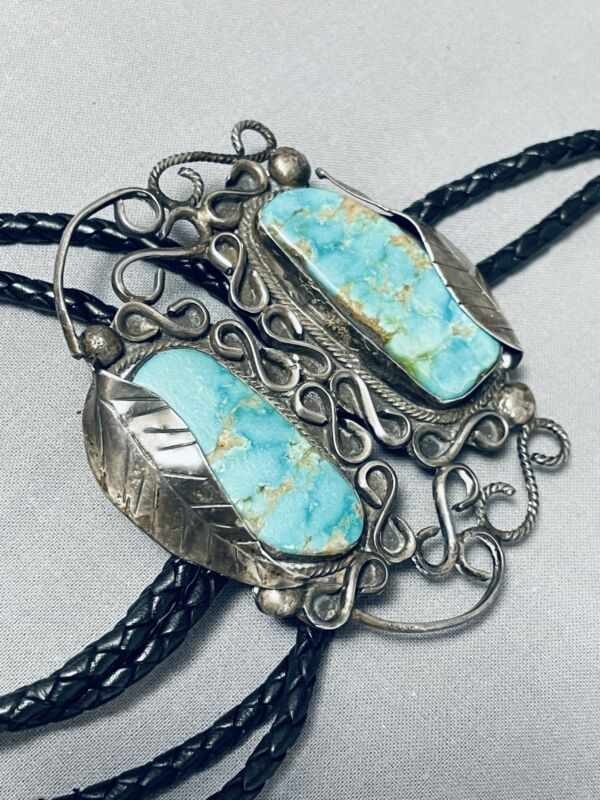ASTONISHING VINTAGE NAVAJO PILOT MOUNTAIN TURQUOISE STERLING SILVER BOLO