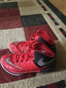 Basketball shoes size 8.5