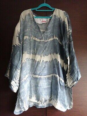 Johnny Was Biya silk tunic size medium