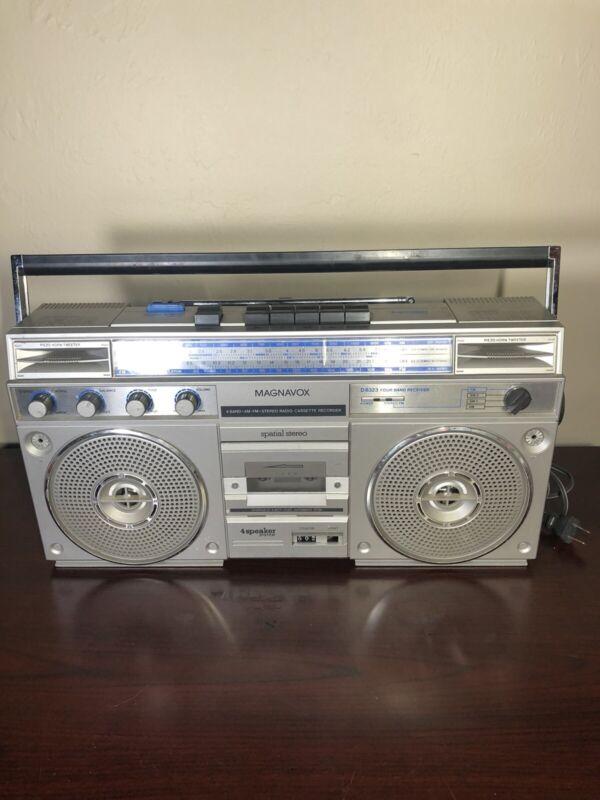 Magnavox Spatial Stereo D8323 4Band AM/FM/SW Cassette Receiver Vintage Boom Box