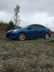2012 Mazda 3 GT fully loaded,6spd for trade