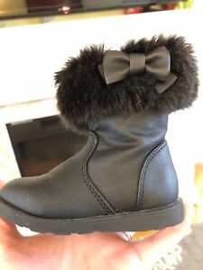Toddler Size 5 faux fur topped boots