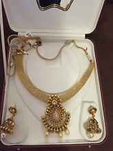 Gold plated necklace and ear rings Thebarton West Torrens Area Preview