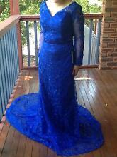 Stunning blue lace IZIDRESS (size10) Wanniassa Tuggeranong Preview