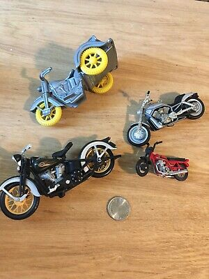 HARLEY DAVIDSON Lot  Of 4 Vintage Motorcycles Small Collection Plastic And Metal