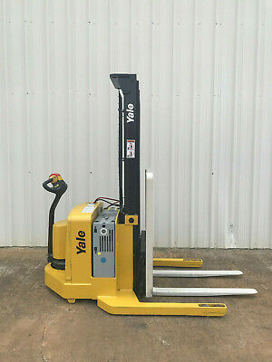 2005 Yale Walkie Stacker - Walk Behind Forklift Straddle Lift - Only 2852 Hours