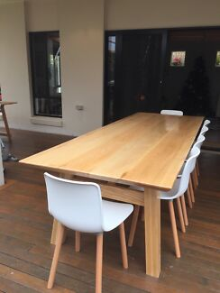Reduced to sell Bespoke American Ash Dinning table