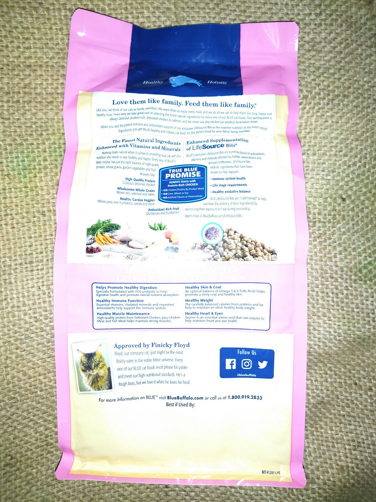 Blue Buffalo Sensitive Stomach Adult Dry Cat Food Chicken Brown Rice 2 Lb 0.9 Kg - $8.99