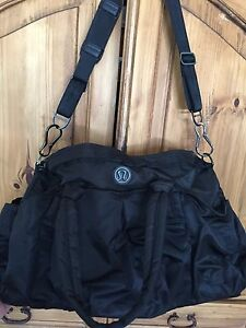 Lululemon Destiny Duffle bag