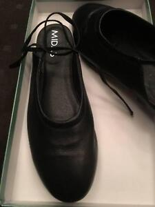 f39f38a672a4 Midas black leather shoes size 37