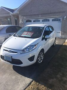 2013 Ford Fiesta (LOW KM)