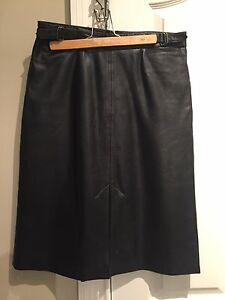 Gap black leather skirt
