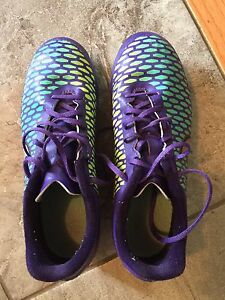 Nike Soccer cleats - size 3Y