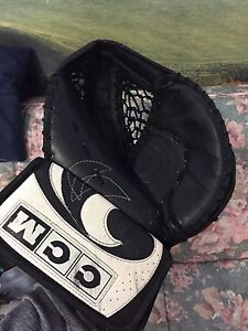 Heaton CCM goalie glove
