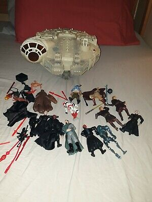 Star Wars Millenium Falcon, figures and accessories