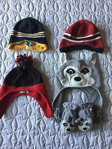 Size2-4 Boys Hats and Mitts all from the Children Place