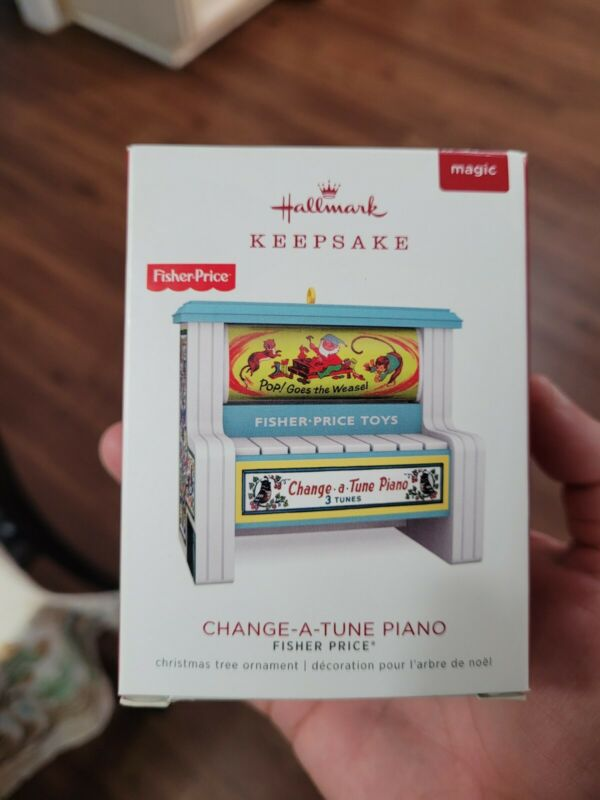 2018 HALLMARK KEEPSAKE MAGIC ORNAMENT CHANGE-A-TUNE PIANO FISHER PRICE BRAND NEW
