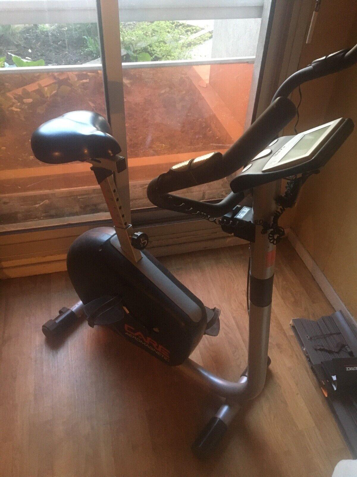 Tectake 401077 vélo d'appartement avec ordinateur lcd
