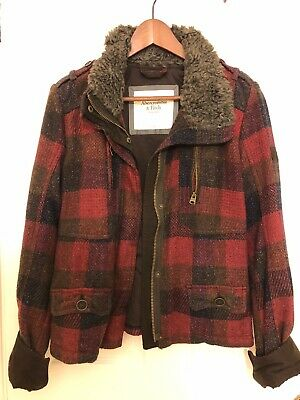 Women's Abercrombie and Fitch Plaid Jacket Size Large (with fur collar)