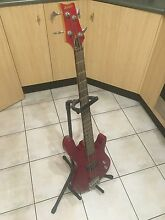 Bass guitar and amp Swansea Lake Macquarie Area Preview