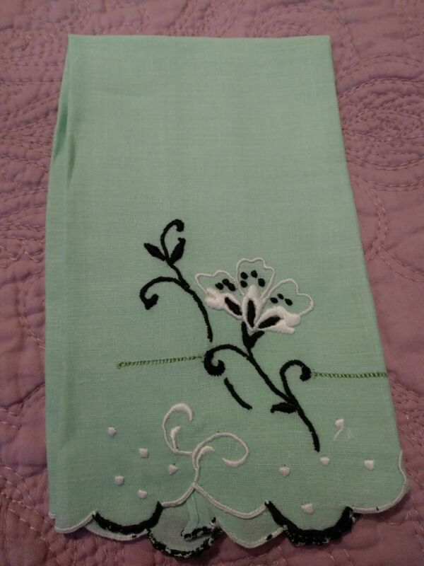 """Gorgeous Madeira Embroidered Floral Fine Green Linen Hand Towel 13 x 8"""""""