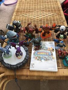 Almost new sky landers game and figures