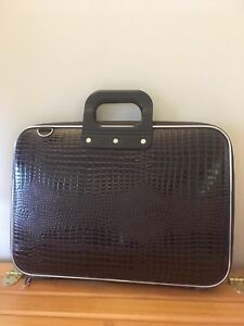 Laptop carrier case  new. Never used.